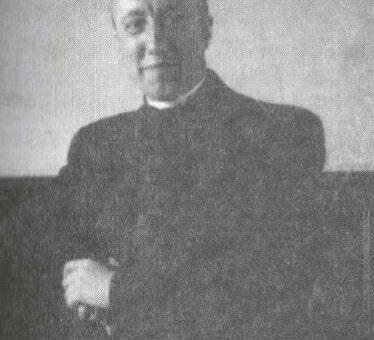 Ein Priester, der durchs Feuer ging